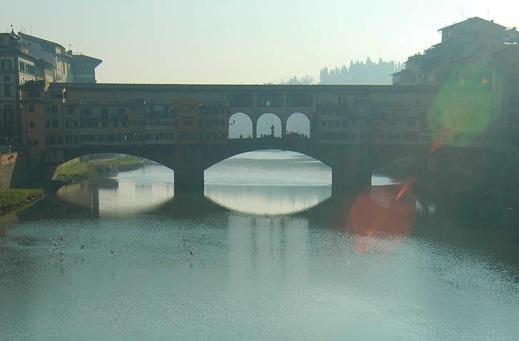 Ponte_Vecchio_from_Ponte_S_Trinita_8218_1000